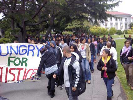 via Alejandro Garcia: Students march to Chancellor's house.