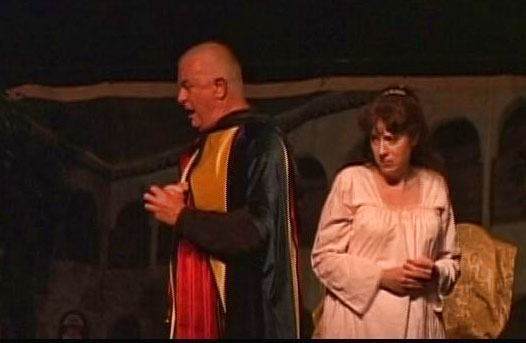Baritone Chris Wells as Rigoletto, Soprano Eliza O'Malley as Gilda