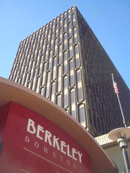 A second Chase logo would be applied to the top of the east façade of the