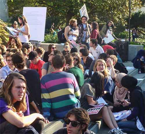 "After the march, many of the Occupy Cal protesters returned to Sproul Plaza where they gathered in small discussion groups, then convened a ""General Assembly."""