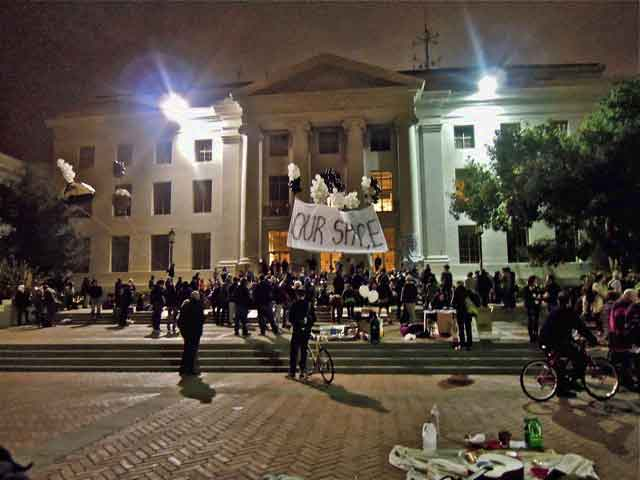 Occupy Cal general assembly at Sproul Plaza, Thursday evening.